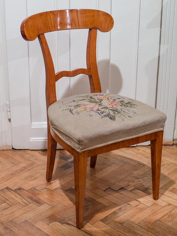 Biedermeier szék vese formájú támlával Darius Antiques